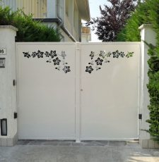 White rose gate design