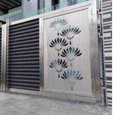 Metal lotus art gate