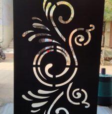 Round curl door design
